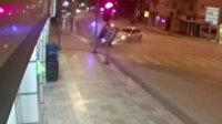 Kırmızı ışıkta geçen otomobil çarptığı polis aracını devirdi
