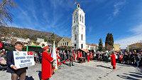 Yunanistan'da kilise meydanı ezan ve zafer marşlarıyla inledi