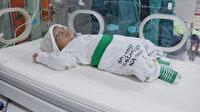Parmak bebek hayata tutundu: Yarım kilo doğmuştu, şimdi turp gibi