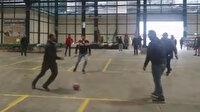 Bursa'da kapanan pazar yerinde esnaf futbol oynadı