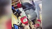 Koronavirüsü fırsata çevirip market çalışanını gasp etti