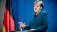 Almanya Başbakanı Merkel: İbadethanelerinde bir araya gelemeyen tüm inananlarla zihnen beraberim