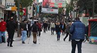 İzmirliler ne yasak dinliyor, ne salgın: 'Evde kal' çağrılarına rağmen sokaklar dolup taştı