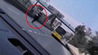 Sultangazi'de tek teker kazası anbean kamerada: Otobüsün altında kalıyordu