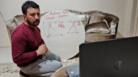 Yer sofrasında online ders anlatıyor