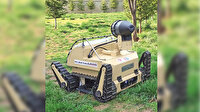 'Cemil Robot' göreve hazır: Koronavirüse karşı ilaç püskürtüyor, ışıklarıyla ortamı temizliyor, yemek ve ilaç servisi bile yapabiliyor