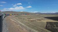 İhracat ürünlerini taşıyan 940 metrelik en uzun tren yola çıktı