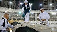 Kâbe'de ramazan temizliği: Koronavirüse karşı sterilize ediliyor