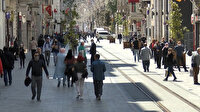 İstanbullular kural tanımıyor: Güneşi gören kendini sokağa attı