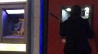 Mirastan pay vermeyen babasına kızan kadın çekiçle ATM'leri parçaladı
