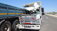 Kayseri'de feci kaza; kamyon TIR'a çarptı: Yolcunun kolu koptu