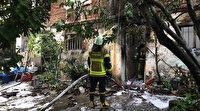 İftar saatinde çıkan yangın evi kül etti: Evlerinin yanışını gözyaşları içinde izlediler