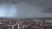 İstanbul'da dolu sürprizi: Korkutan bulutlar böyle görüntülendi