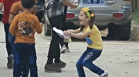 Bayram harçlığı alan İdlibli çocukların paha biçilmez sevinci