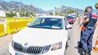 Kısıtlamanın ardından turizmin başkentine girişte kilometrelerce araç kuyruğu