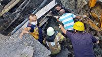 Esenyurt'ta toprak altında kalan kişiyi itfaiye kurtardı