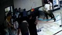 Dehşete düşüren olay kamerada: Salgınla mücadelenin kahramanı sağlıkçıyı öldüresiye dövdüler