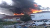 Korkutan çatı yangını kamerada