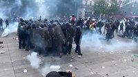 Fransa'da protestocular bir grup polisi çembere aldı