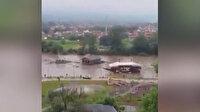 Sırbistan sele teslim oldu: 15 kentte OHAL ilan edildi