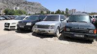 Servet değerinde ama satılmıyor: Milyonluk araçlar otoparkta çürüyor