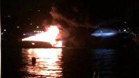 İstanbul Boğazı'nda tekne alev alev yandı