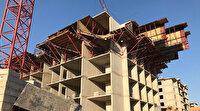 Elazığ'da inşaat işçileri beşinci kattan iskeleyle aşağı düştü
