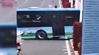 Çin'de öğrencileri taşıyan otobüsün göle uçma anı kamerada: 21 ölü, 15 yaralı