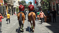 Gören bir daha dönüp bakıyor: İstiklal caddesi atlı polislere emanet