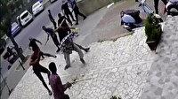 Kadıköy'de bıçaklı sopalı kağıt toplayıcı kavgası kamerada
