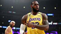 LeBron James'in oyuncu kartı rekor bedelle satıldı