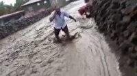 Ağrı'da aşırı yağış nedeniyle sel meydana geldi: 1 kişi öldü 2 kişinin kayıp olduğu bildirildi