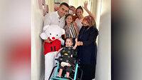 Ünlü fenomen CZN Burak, Antalya'da engelli minik çocuğa yaptığı anlamlı yardımla sosyal medyada gündem oldu