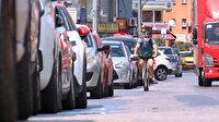 Kadıköy'de vatandaşların bisiklet yolu tepkisi: Dubaları sökülünce bisikletliler diğer taşıtlarla aynı yolda ilerliyor