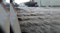 Arnavutköy'de sağanak: Ev ve iş yerlerini su bastı