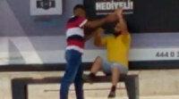 Adana'da sokak ortasında güpegündüz eşkıyalık: Satmak istediği dua kitabını almayan engelliyi gasbetti
