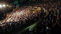 Mabel Matiz konserinde sosyal mesafe unutuldu