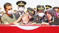 Oğlu da asker olacak: Türkiye şehitlerine ağlıyor