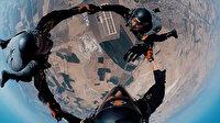 JÖAK Timi'nden 10 bin feet'te paraşütle atlayış