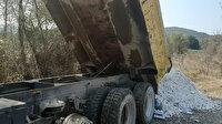 Boş araziye kaçak hafriyat döken firma suçüstü yakalandı: Ceza yağdı