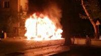 Ankara'da park halindeki kamyonet alev topuna döndü