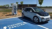 Elektrikli otomobillerin her 50 park yerinden birinde şarj istasyonu zorunlu olacak