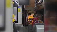 İstanbul'da özel halk otobüsü şoförü ile katlanır bisikletli yolcunun kavgası kamerada