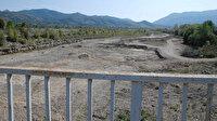 Kuraklık nedeniyle barajdaki su seviyesi düştü: 15 kilometrelik ırmak kurudu