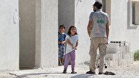 İHH yine mazlumların yüzünü güldürdü: İdlib'de yetimler için yaptırılan 50 ev teslim edildi
