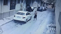 İzmir'de akli dengesi bozuk adam evinin önündeki aracı böyle parçaladı