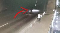 Rusya'da açılmış köprüyü fark edemeyen motosikletli boşluğa düştü