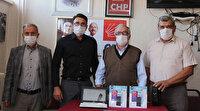 """Kılıçdaroğlu'nun """"MEB yapmayacaksa CHP yapar"""" dediği kampanya başladı: Manisa'da öğrencilere 3 adet tablet dağıtıldı"""