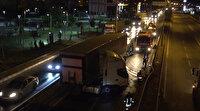 Bariyerlere çarptı litrelerce mazot yola döküldü: İtfaiye hazır bekledi