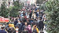 Taksim'de koronavirüse rağmen endişelendiren kalabalık: Salgın böyle yayılıyor